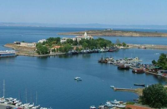 """След седмица може да започне консервацията на откритията на созополския остров """"Св. Кирик и Юлита"""" в Созопол 7"""