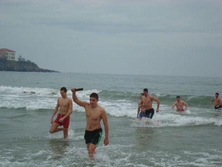30 младежи в надпреварата за кръста в Созопол 16