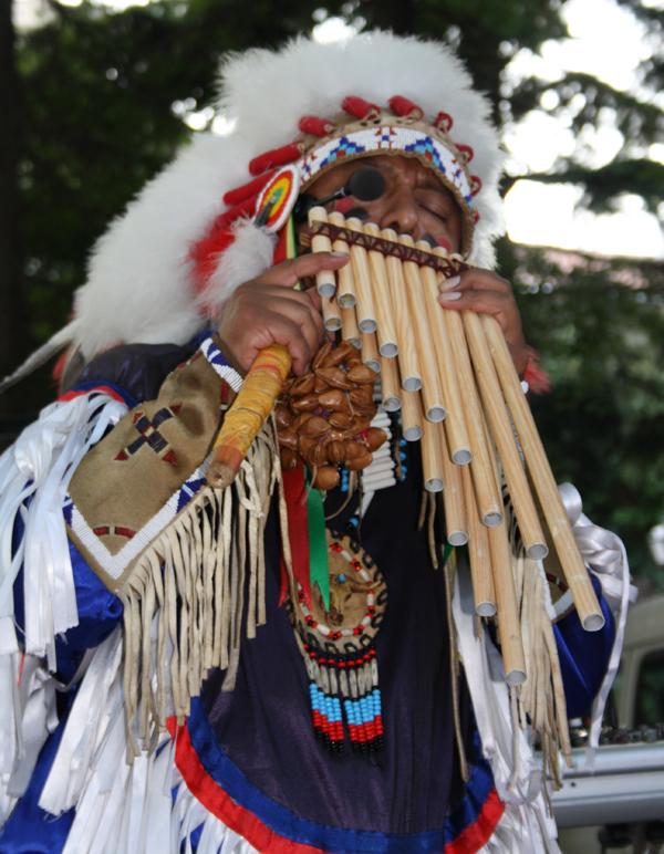 Индиански ритми посрещат гостите на старият Созопол [ВИДЕО] 1