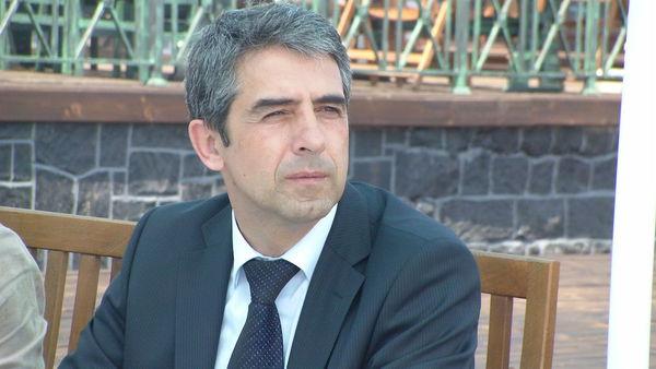 Министър Плевнелиев инспектира плаж Хармани в Созопол 1
