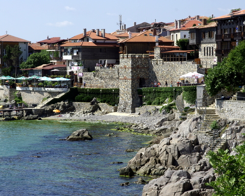 Южната Крепостна стена и кула